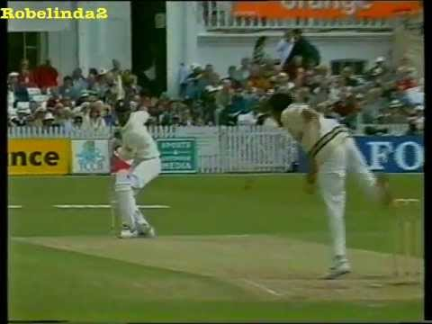 Javagal Srinath kill zone mode, stunning bowling