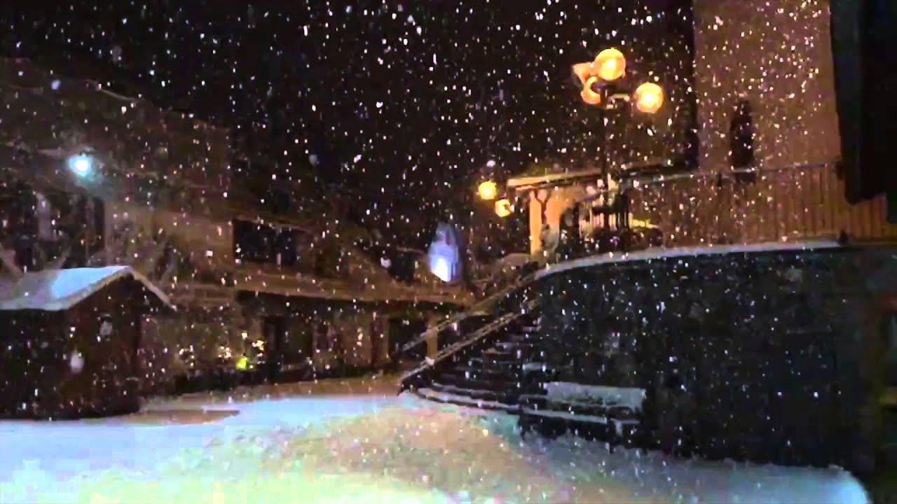 San martino di castrozza - inverno notte slow motion - (videopics)