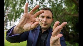 Larry Soffer (35) sê hy is een van slegs drie erkende mentaliste in...