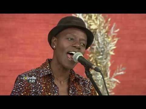 "Download Selmor Mtukudzi Performs ""Shungu"""