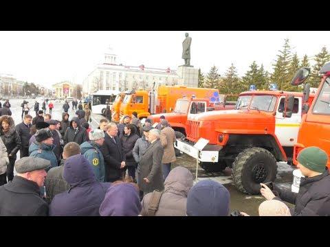 Александр Моор посетил выставку промышленых предприятий Зауралья