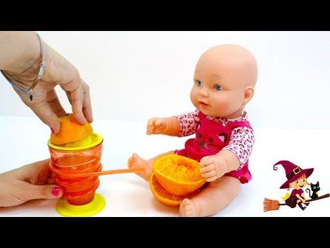 Preparo un Zumo de Naranja para la Bebé y para Kevin Minion