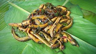 EEL COOKING IN BANANA LEAVES | Lươn Nướng Lá Chuối