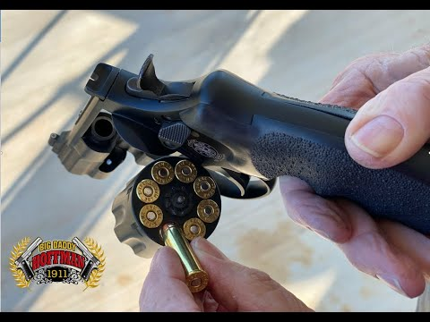 Smith & Wesson 327 Night Guard