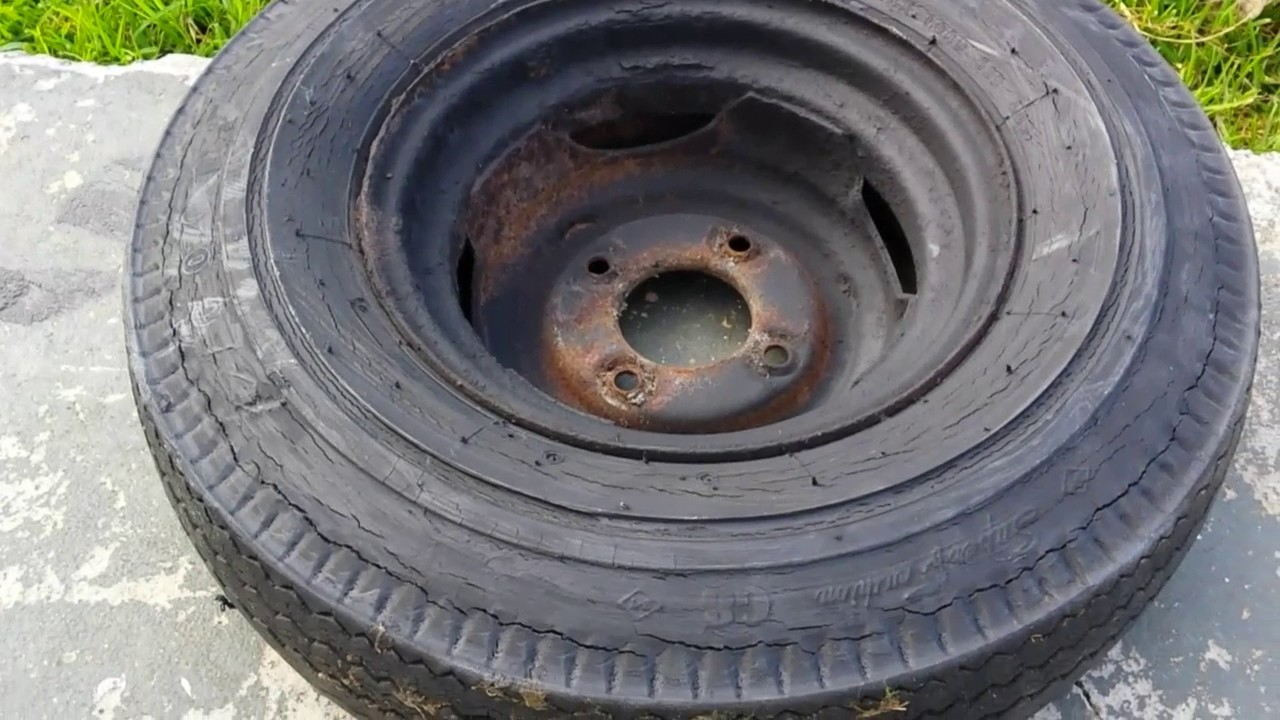 dry cracked tires
