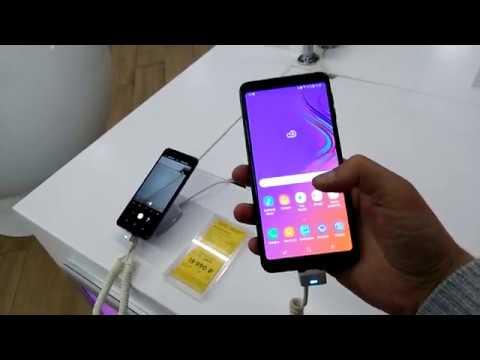 Смартфоны Samsung Galaxy в магазине.