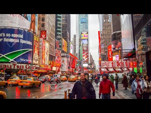 NEW YORK CITY 2019: TIMES SQUARE CHRISTMAS MADNESS! [4K]
