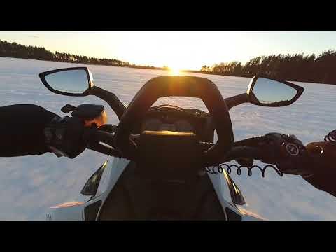Снегоход, BRP Lynx! 200 км/ч по полю без шлема, шок контент