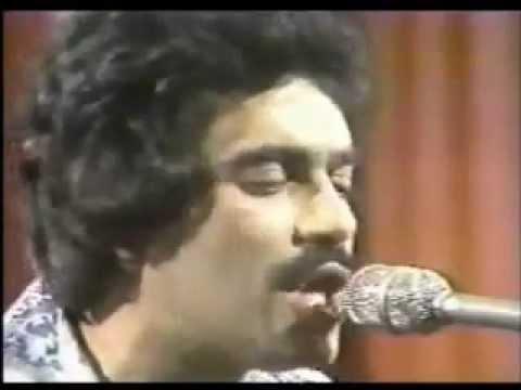 Larry Harlow canta Junior Gonzales - mayari
