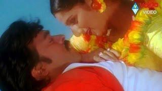 Bavagaru Baagunnara Movie Songs - Navami dashami - Chiranjeevi Ramba