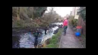 Draining Bowbridge Lock Stroud