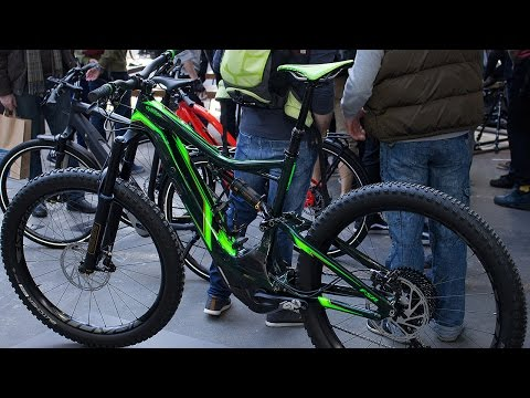 d5d3ce5e24b Specialized Turbo Levo FSR TLD: Limitierte Edition im Troy Lee Design -  YouTube