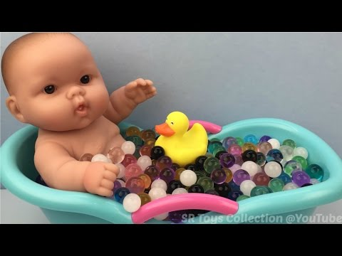 Fun Learning Colors with Baby Doll Bath Time In Water Beads Jelly Balls Pretend Play for Children