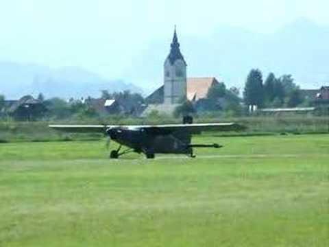 Pilatus PC 6 Turbo porter - short take off