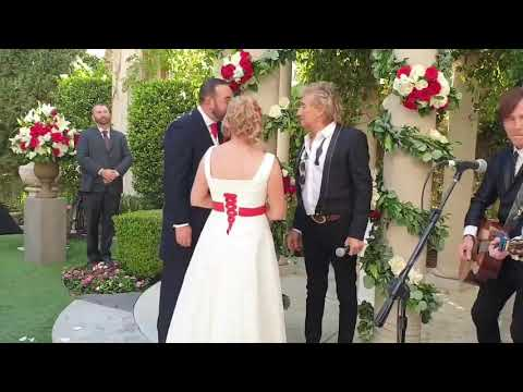 Don Action Jackson - Rod Stewart Surprises Couple At Their Wedding And Serenades Them