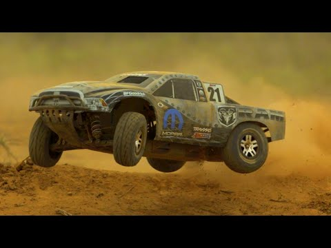 Traxxas Slash Ultimate 4x4 in Slowmo