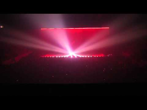 Jean Michel Jarre - Encore Applause + Teo And Tea (Live @ 22.10.2011, HK Areena, Turku) [1080p HD]