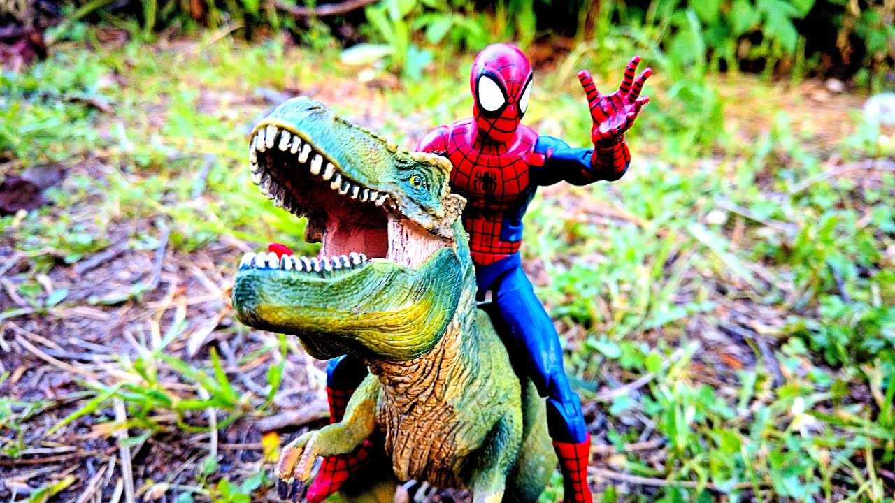 Spider-Man & Dinosaurs + Marvel's Captain Britain, Red Guardian action figures & T-Rex #shorts