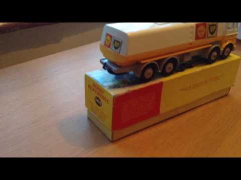 Dinky supertoys 944 leyland Octopus Shell-B.P tanker lorry in original box, mint.