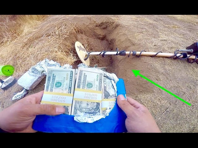 FOUND MONEY WHILE METAL DETECTING!!!
