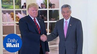 President Trump holds bilateral meeting with Singapore PM Lee - Daily Mail