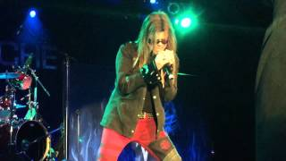 QUEENSRYCHE performing Another Rainy Night (without you) live at Sn...