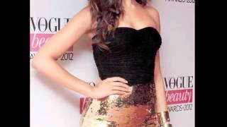Deepika Padukone Caught Pantyless