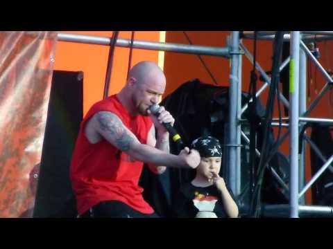 Five Finger Death Punch - Remember Everything - Live 5-24-14 River City Rockfest