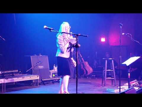 Layne Staley's mom sings Mad Season's