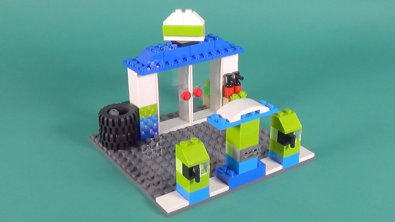 Lego petrol station building instructions lego classic for Lego classic house instructions