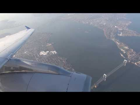 United A319 landing at New York LGA