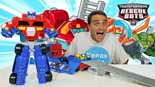 Transformers Flip Racers Optimus Prime Race Track Trailer ! || Toy Review || Konas2002