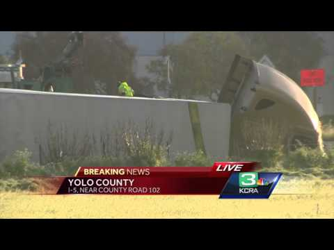 Big rig crash shuts down portion of I-5