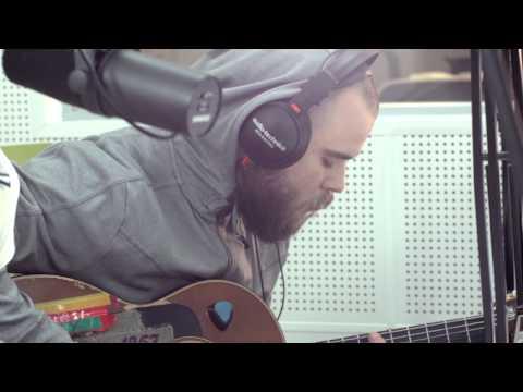 ЯжеВика  - Оторвись от земли  ( Live acoustic в эфире Связной радио)