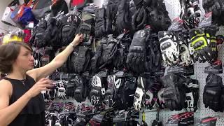 как подобрать мотоперчатки? Анастасия Нифонтова покажет на примере мотоперчаток Alpinestars
