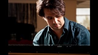 Delkash - Ashegham man - Piano played by Mohsen Karbassi  -  عاشقم مـن