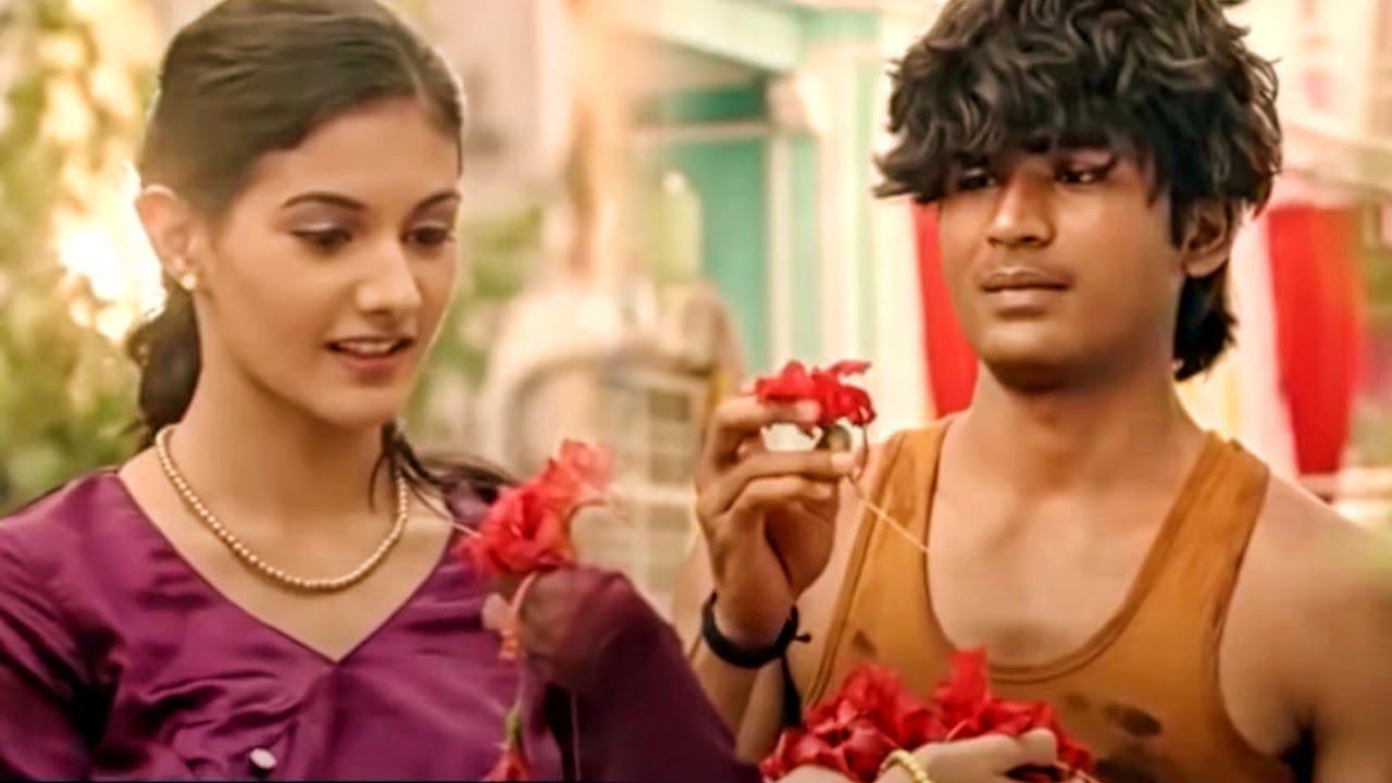 देखिये कैसे अमायरा और धनुष के प्यार को हो रही है शुरुआत - Anegan Movie Scene
