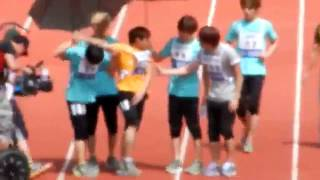 [FANCAM] 110827 Super Junior TO THE RESCUE!!! @ Idol Star Athletics Sports Day