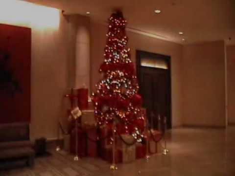 The Beverly Hilton Hotel At Christmas Time
