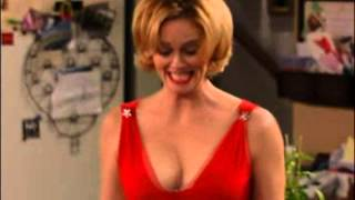 8 Simple Rules Cybill Lynne Shepherd SEXY CLEAVAGE B