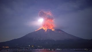 Explosive eruption of Sakurajima on November 12, 2019. 桜島爆発