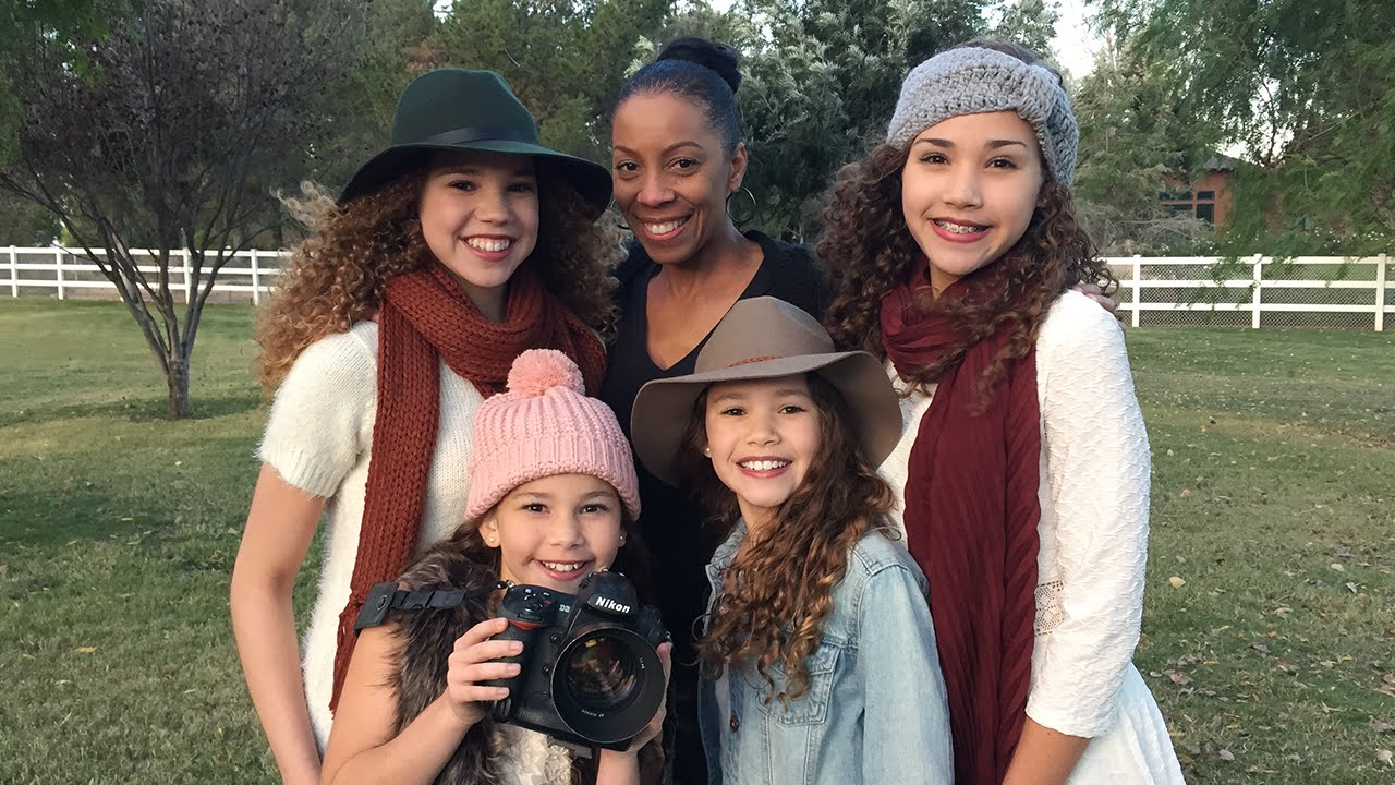 Christmas Cards with the Haschak Sisters! - YouTube