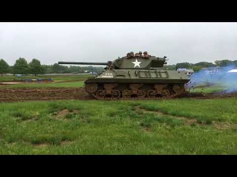 Watch tanks run an obstacle course at Army Heritage Days in Carlisle