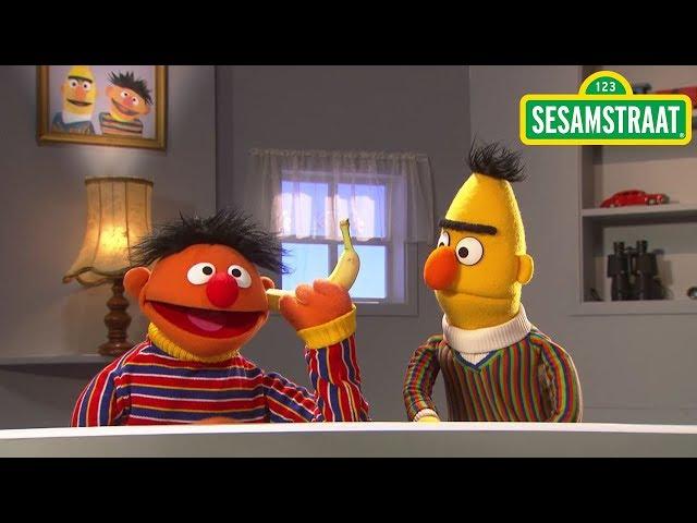 Banaan in je oor - Bert & Ernie - Sesamstraat