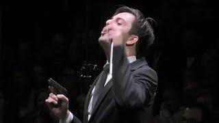 Conductor shoots a gun at the concert. J. Strauss Jr On the Hunt, Auf der Jagd Polka schnell Op. 373