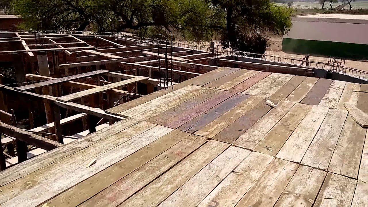 Cimbra con madera para losa en capilla de santo entierro for Losas de hormigon para jardines
