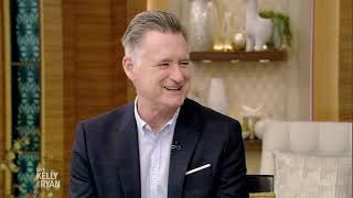 "Bill Pullman Watched ""Independence Day"" with Bill Clinton"