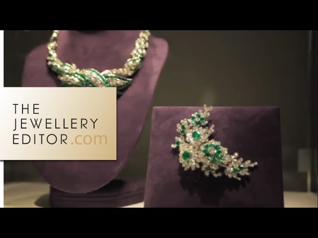 Christie's: Elizabeth Taylor's jewellery on world tour