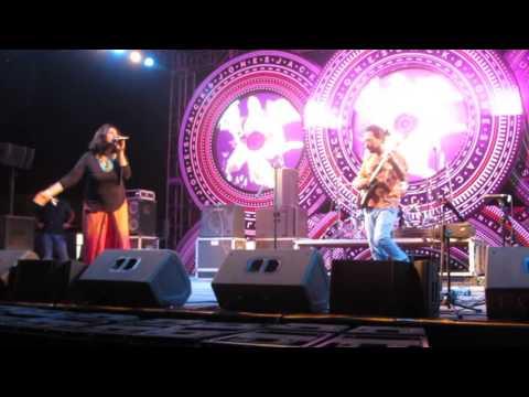 """Sukanti & Anushree~""""Jugni ji"""" Live at Bacardi NH7 Weekender 2015, Kolkata II"""