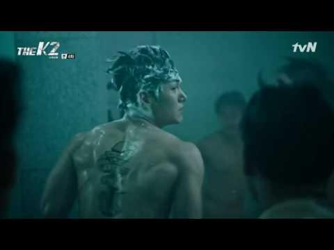 К2 (Телохранитель) - сцена в душе
